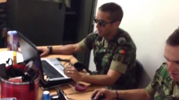 Photo of Militar português fica danado por causa do Poker