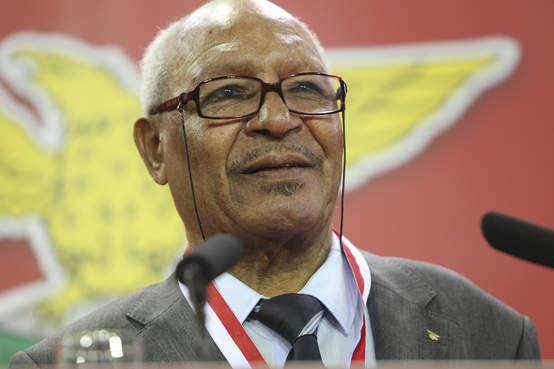 Photo of Morreu Mário Coluna