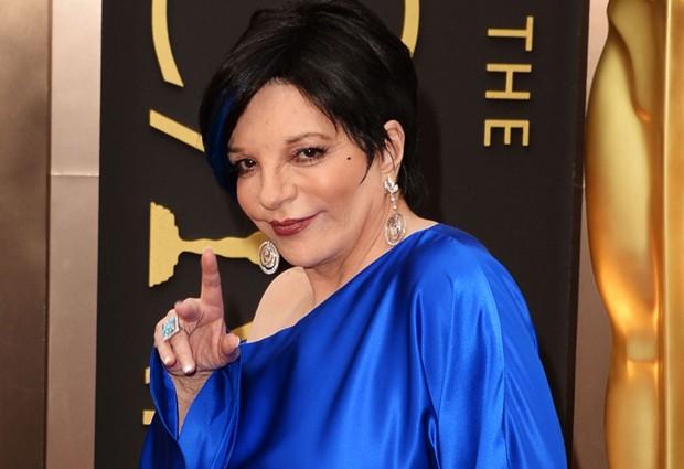 Photo of Liza Minelli: Tentou aparecer no famoso selfie dos Oscares sem sucesso
