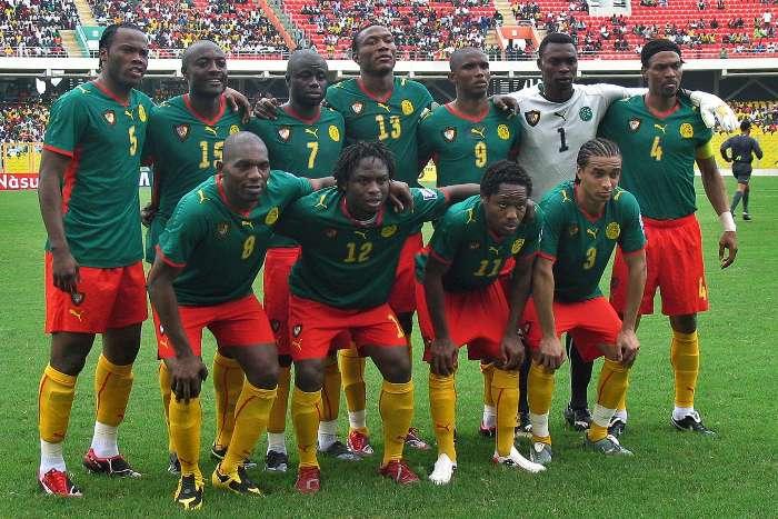 Photo of Jogadores dos Camarões agridem-se em campo