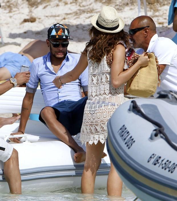 Photo of Neymar de férias em Espanha ainda não está recuperado da lesão