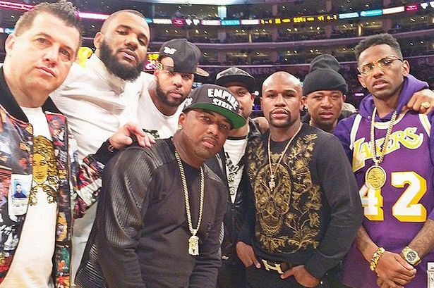 Earl-Hayes-and-Floyd-Mayweather-with-other-boxers