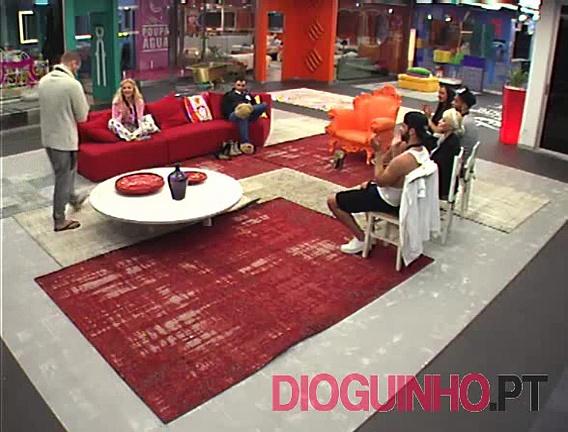 Photo of Cadeira Quente: Comentários à saída do Miguel e Agnes, novos criados e as agressões