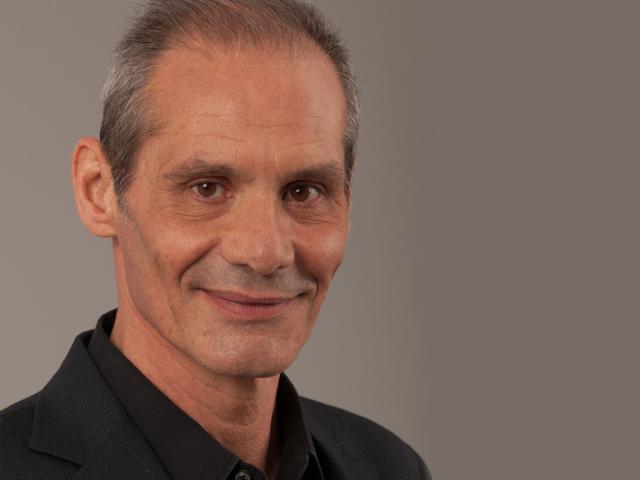 Photo of Sem trabalho, Nuno Melo vira-se para as vendas
