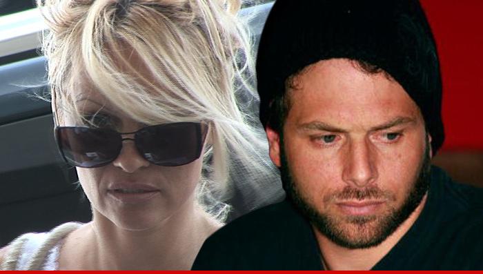 Photo of Marido de Pamela Anderson ganhou 40 milhões no poker e quer anular o casamento
