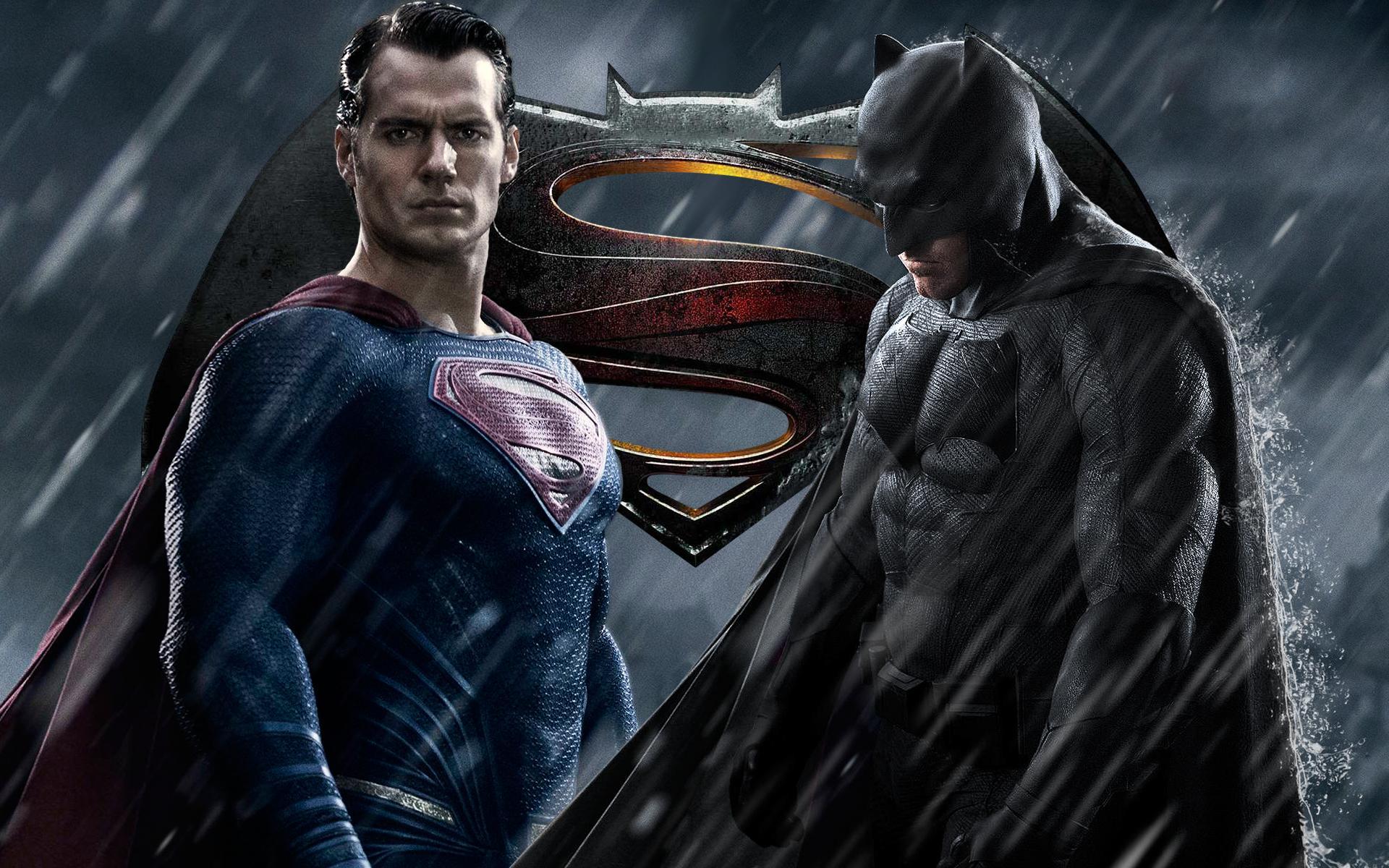 "Photo of Trailer de ""Batman vs Superman"" cai na Internet"