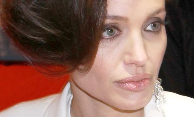 Photo of WikiLeaks publica todos os e-mails de responsáveis da Sony a criticar a Angelina Jolie