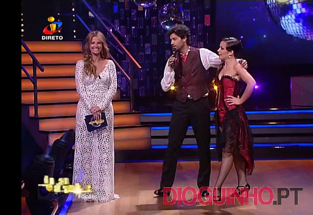 Photo of Cristina Ferreira goza com a revista TVMais em directo
