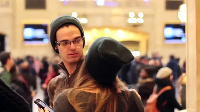 Photo of E se uma bela rapariga desconhecida te tentasse beijar?! Como reacionarias?