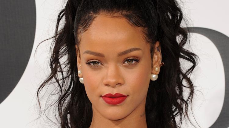 """Photo of Rihanna acusada de plágio do som """"Bitch Better Have my Money"""""""