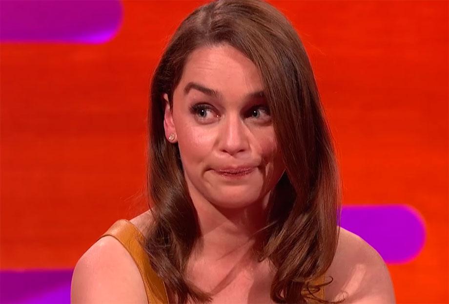"""Photo of Emilia Clarke diz que Jason Momoa a fez rir durante cena de violação em """"Game of Thrones"""""""
