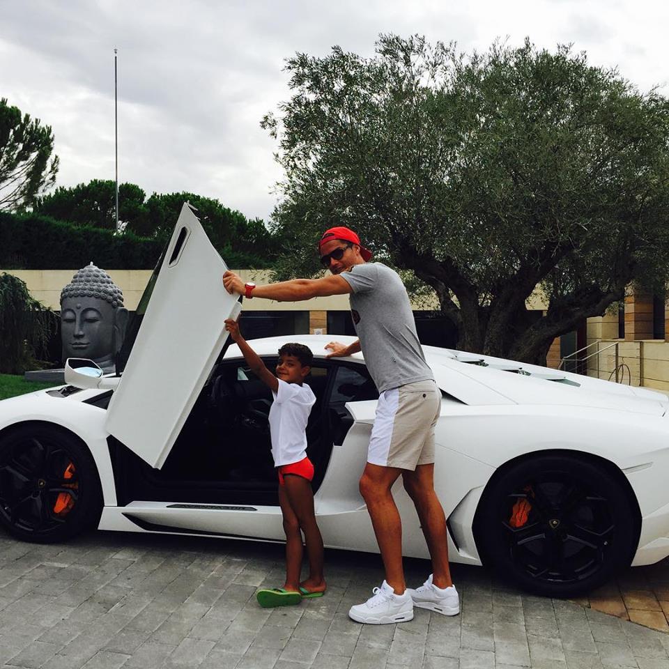 Photo of Cristiano Ronaldo apresentou a sua nova amiga