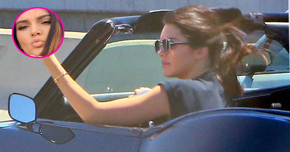 Photo of Kendall Jenner passou-se da cabeça e faz manguito