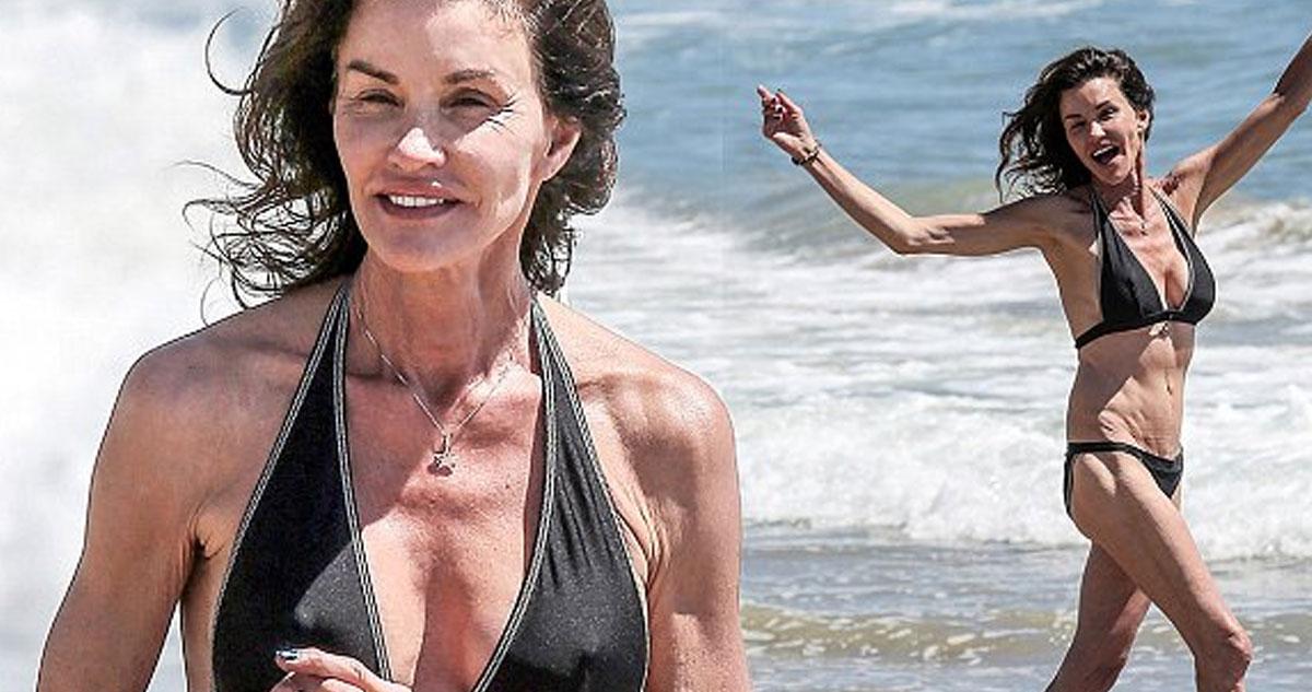 Photo of Janice Dickinson a antiga supermodelo divertida e em bikini