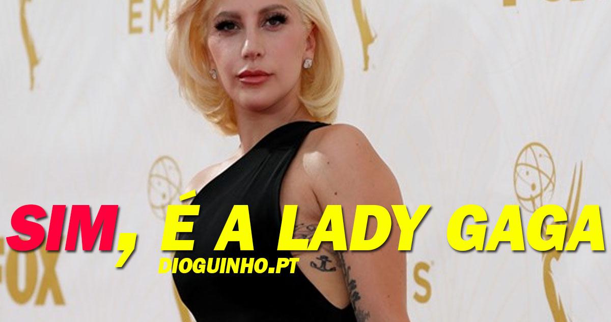 Photo of Lady Gaga aparece irreconhecível nos Emmys  2015