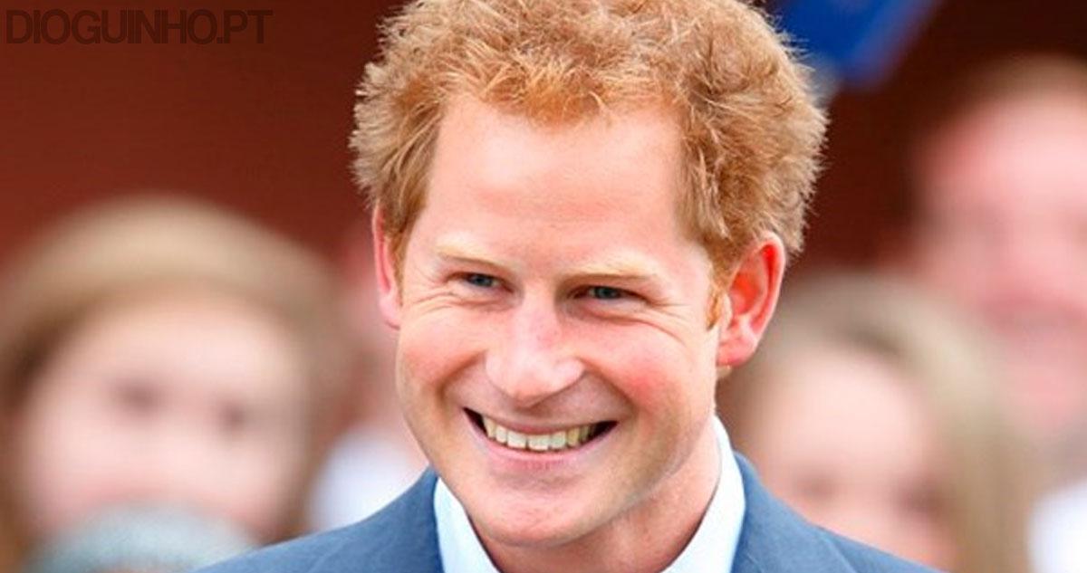 Photo of Príncipe Harry apareceu com um novo visual e está a fazer sucesso