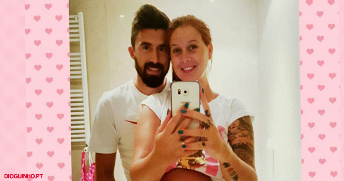 Photo of Daniela Pimenta mesmo com mega barriga de grávida… foi apoiar o Benfica ao estádio