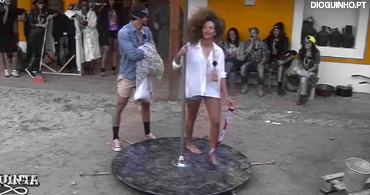 Photo of Inês dedica dança sensual no varão ao Pedro
