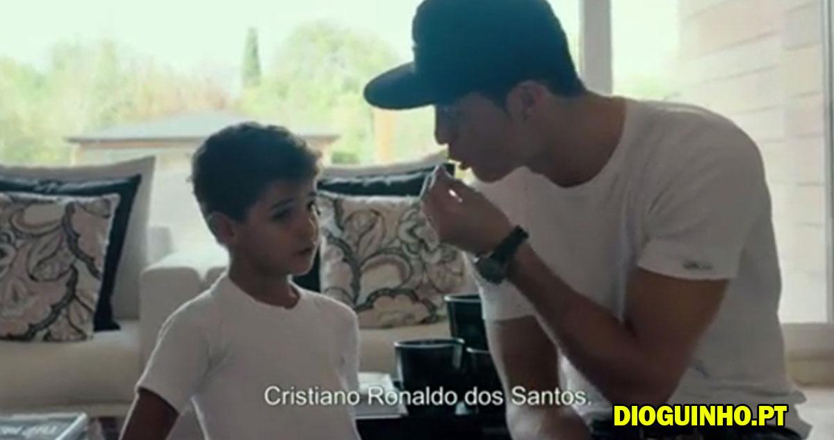 """Photo of Cristianinho não sabe o seu nome e CR7 fica """"aborrecido"""""""