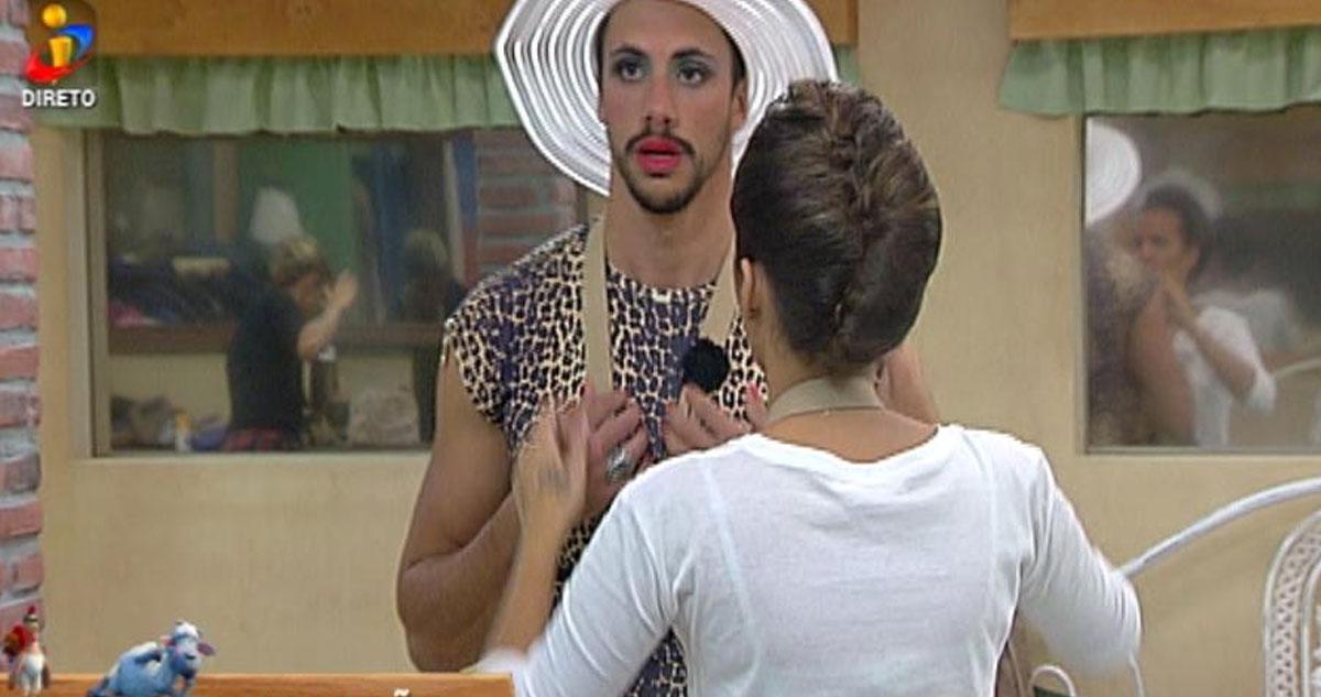 Photo of Pedro libertou a 'gaja' que existe em si e agora é a Sheila!