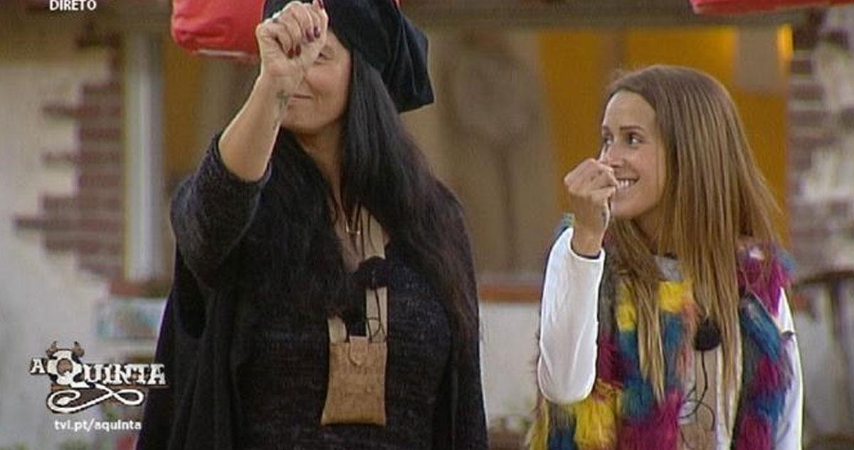 Photo of Romana parte a cabeça à Angelica, levou 3 pontos