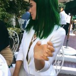 Kylie Jenner pintou novamente o cabelo.