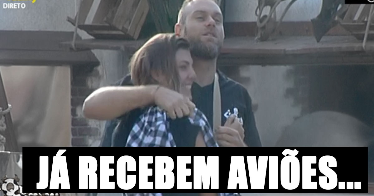 Photo of Fãs de Santiago e Romana enviam avião a apoiar (pseudo) namoro