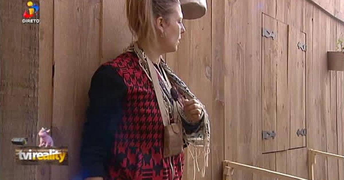 Photo of Romana ouve Santiago a dizer mal dela nas costas