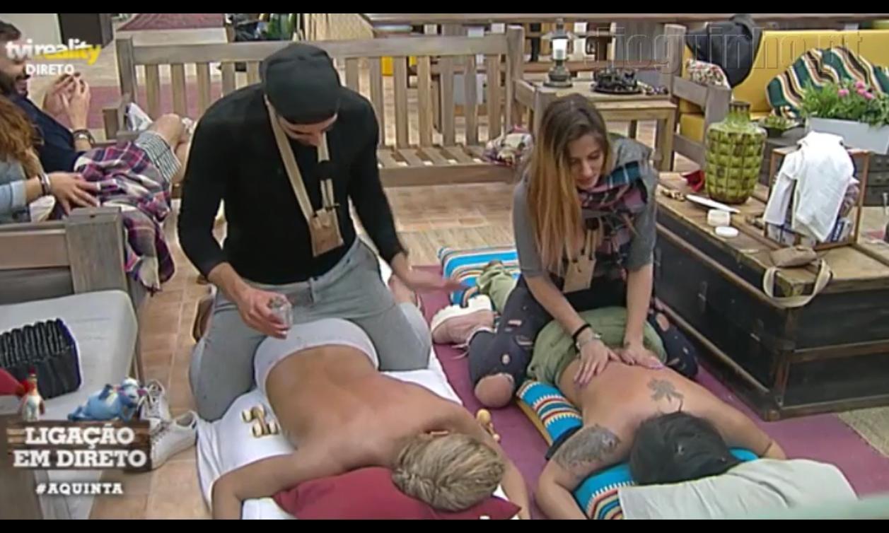 """Photo of Daniel faz massagem sensual ao Carlos Costa. Liliana fica """"assustada"""""""