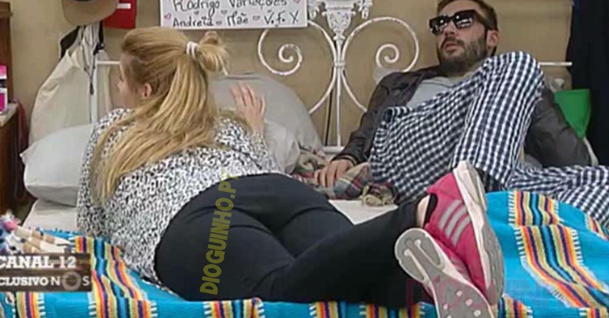 """Photo of Bernardina pergunta ao Pedro """"é melhor ir ou levar?"""". Ele responde"""