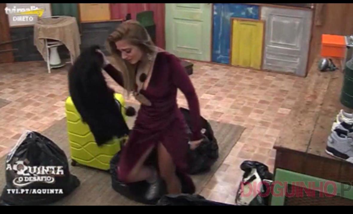 Photo of Liliana não aguenta pressão ou faz-se de coitadinha? Chora compulsivamente