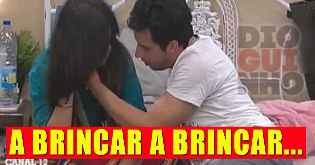 Photo of Luís Nascimento tenta sacar um beijo na boca de Angélica