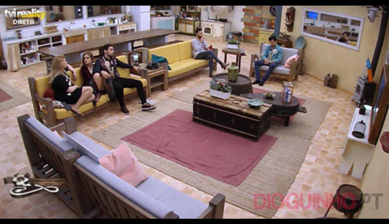 Photo of Cadeira Quente: Luís Nascimento e Liliana Antunes discutem