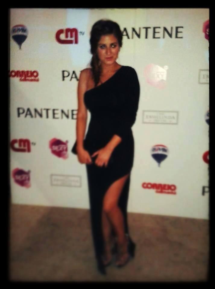 Vanessa Cunha Love on Top