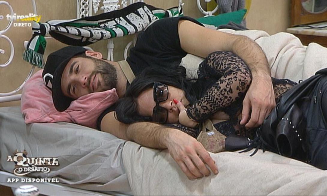 Photo of Diogo e Jéssica assumem namoro mas ela tem ciúmes de Sofia. ELE JÁ REAGIU!