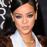 "Rihanna ""Black Girls Rock!"""