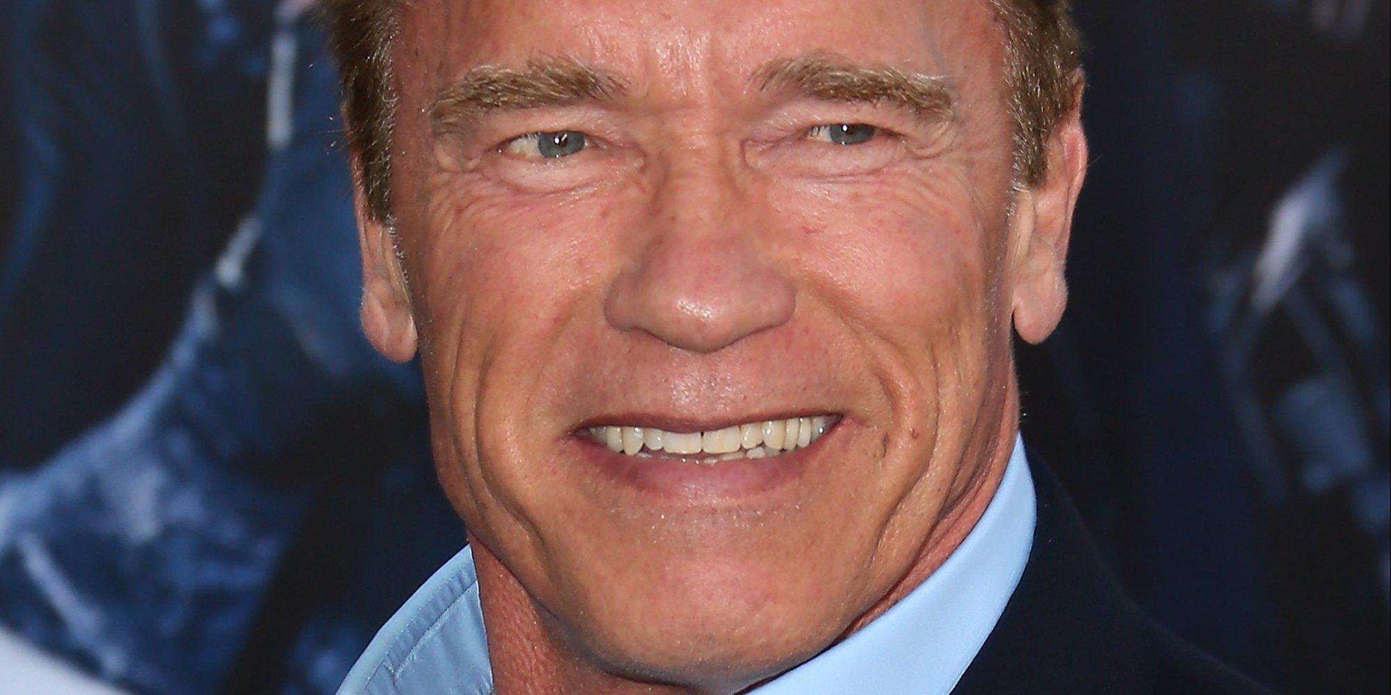 Photo of Arnold Schwarzenegger foi perseguido por um elefante (vídeo)