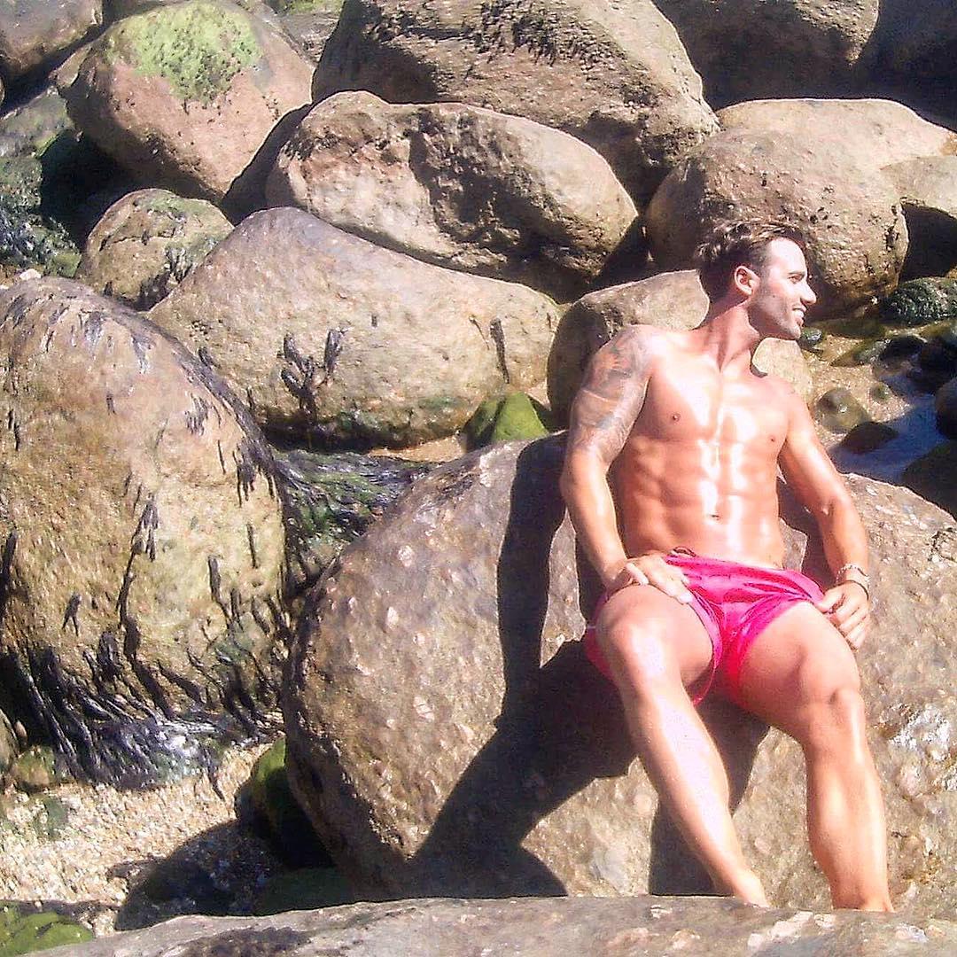 Photo of Cláudio Viana está em forma para o verão. Fãs agradecem