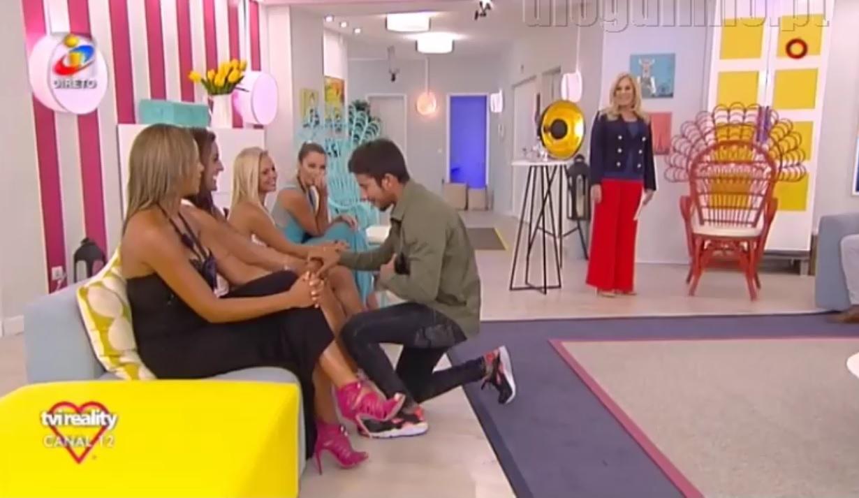Photo of Daniel pede Sofia Buinho quase à força