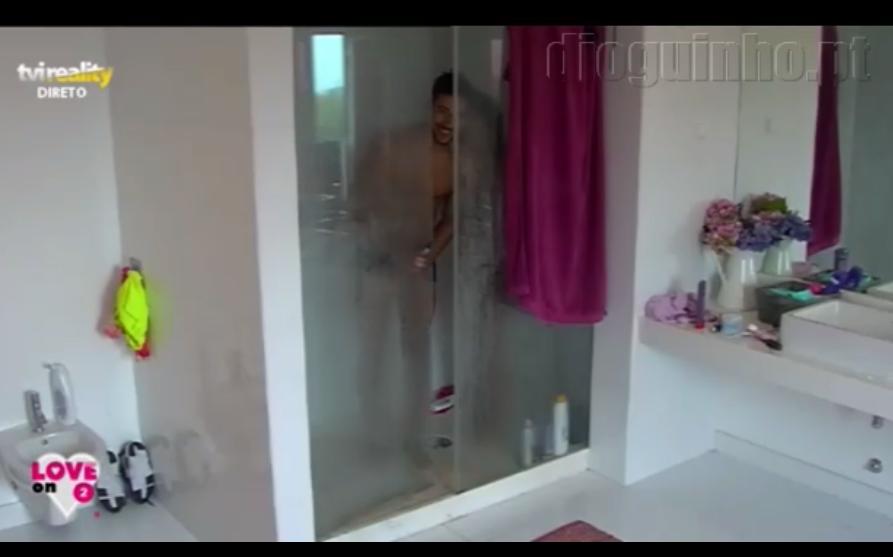 Photo of Daniel «apanhado» a pinar no duche. Momento constrangedor