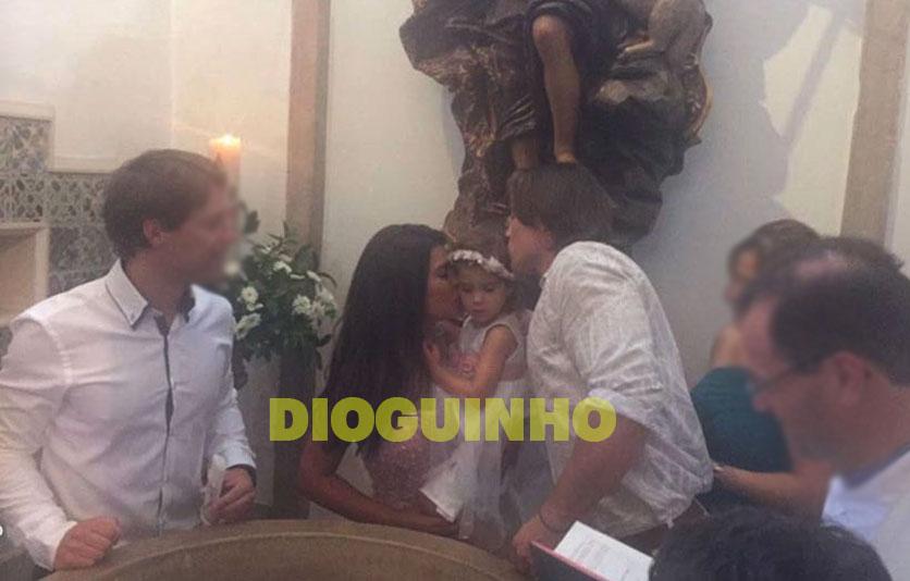 Photo of Imagens do baptizado da filha de Sofia Sousa e Tierry Vilson