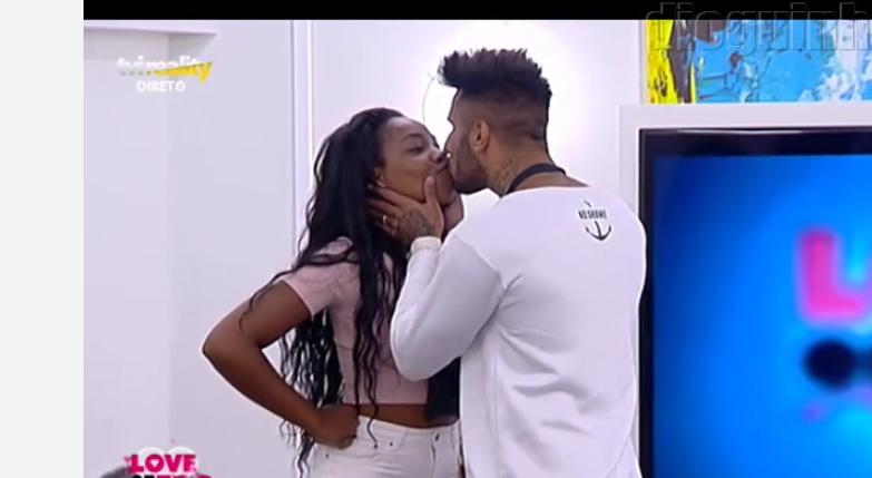 Photo of Rui Rodrigues activou emoji mas beija a Eliane