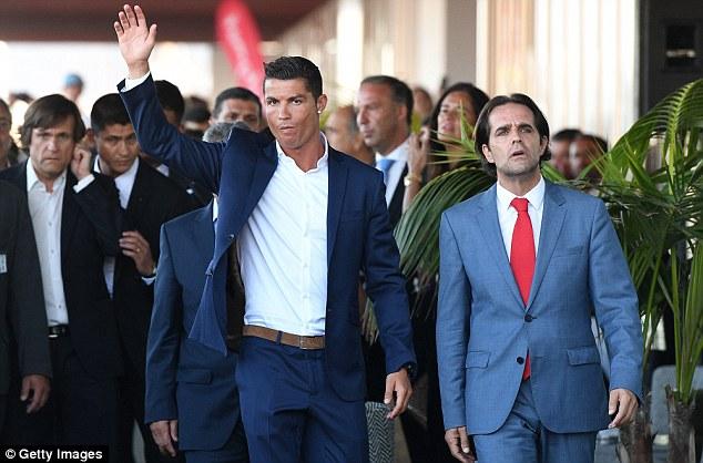 Photo of Cristiano Ronaldo vai ajudar financeiramente a Madeira