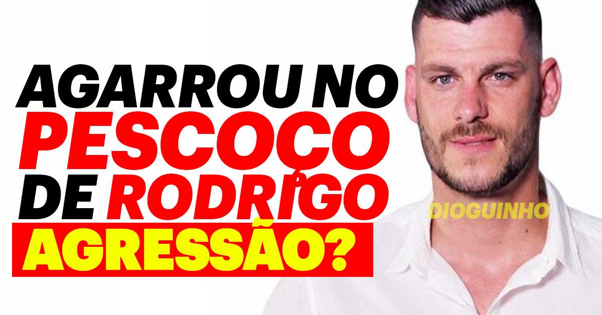 Photo of Fábio agarrou no pescoço de Rodrigo. Agressão?