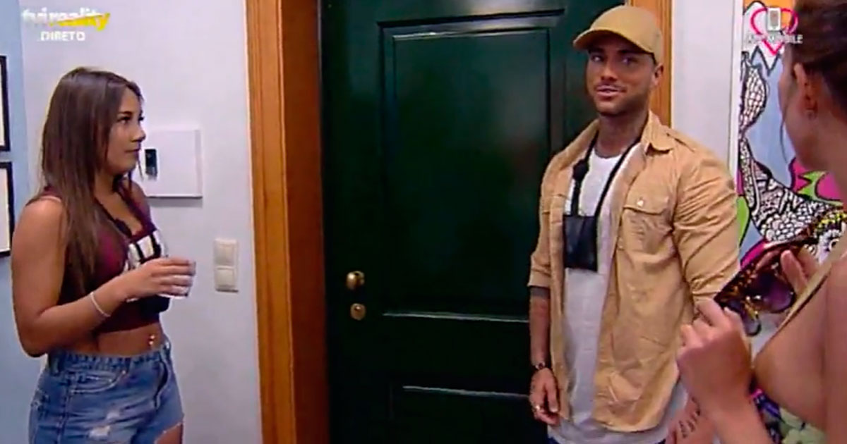 Photo of Rafael Isaac Gomes já entrou na Casa… e levou uma surpresa!