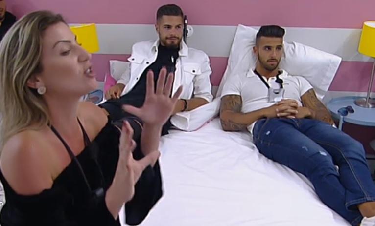 Photo of Rebeca é rejeitada e arma barraco no Love on Top 7