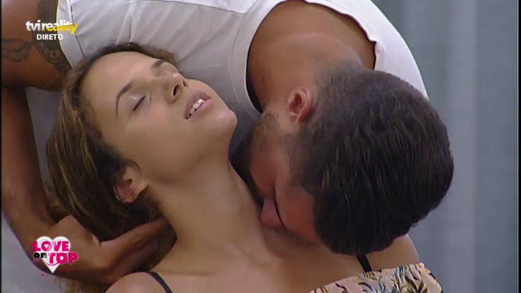Photo of Após avião, Joana ficou em FOGO com João