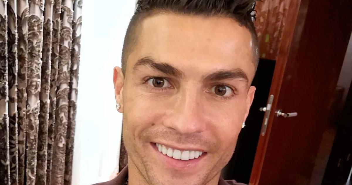 """Photo of Cristiano Ronaldo partilha mensagem emotiva: """"Falo-vos como filho, pai e ser humano preocupado"""""""