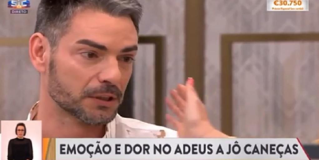 Photo of Cláudio Ramos fica emocionado ao falar de Jô Caneças «amo-te muito filho, amo-te mesmo»