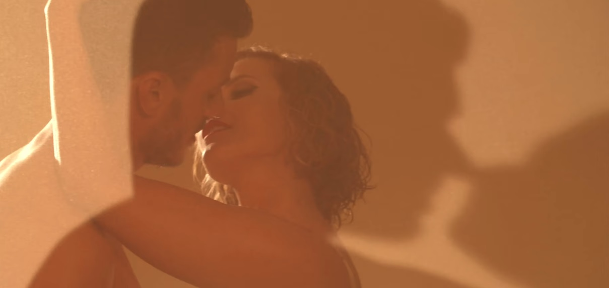 """Photo of O vídeo do """"beijo apaixonado"""" entre Cristina Ferreira e Ruben Rua"""